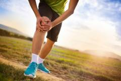 Сильная боль в суставах колена 25